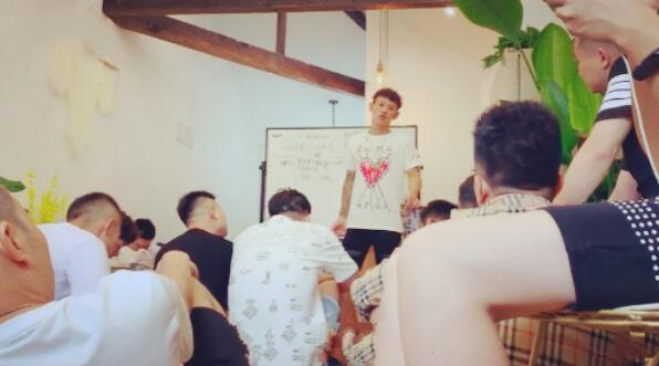 Pua是什么?Pua培训背后的课程市场以及运营和推广